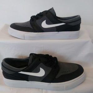 Kid's Size 5.5 Nike Stephan Janoski